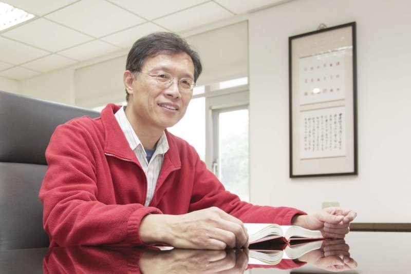 擔任中研院語言學研究所所長的林若望,研究語言學已經將近卅年,是國內少數精研「語意學」領域的學者。(圖/張語辰攝,研之有物提供)