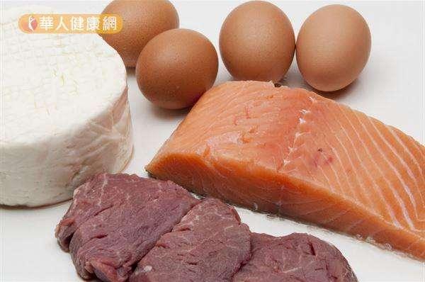 攝取足夠蛋白質,不只可以補充因減重與運動而分解流失的肌肉量,還能預防運動時肌肉蛋白質分解與流失。(圖/華人健康網)