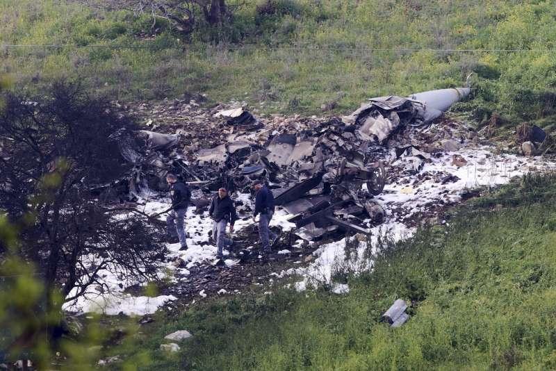 以色列一架F-16戰鬥機遭敘利亞軍隊擊落,以軍10日展開大規模反擊。(美聯社)