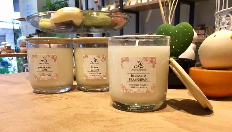 泰國品牌Aroma Space香氛蠟燭,擁有多達7種的花果香調。(圖/泰香提供)