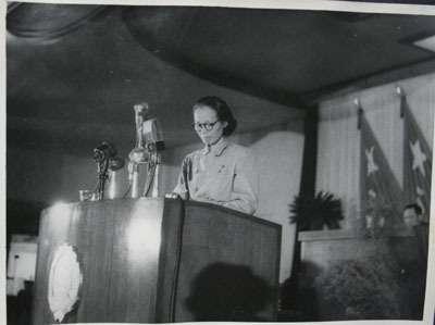 1949年,謝雪紅在中國人民政治協商會議第一屆全體會議上發言。(取自維基百科)