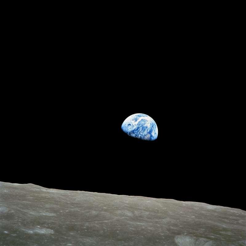 2018-02-28-地球上升Earth Rise。地球。月球。太空。宇宙。(NASA,Public Domain)