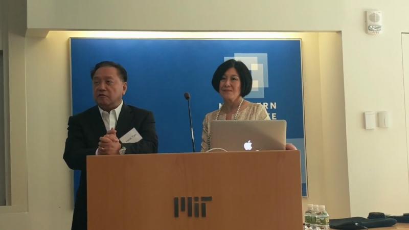 陳福陽與妻子Lisa Yang,捐給麻省理工學院2千萬美元作為研究自閉症的資金。(圖/取自Youtube,數位時代提供)