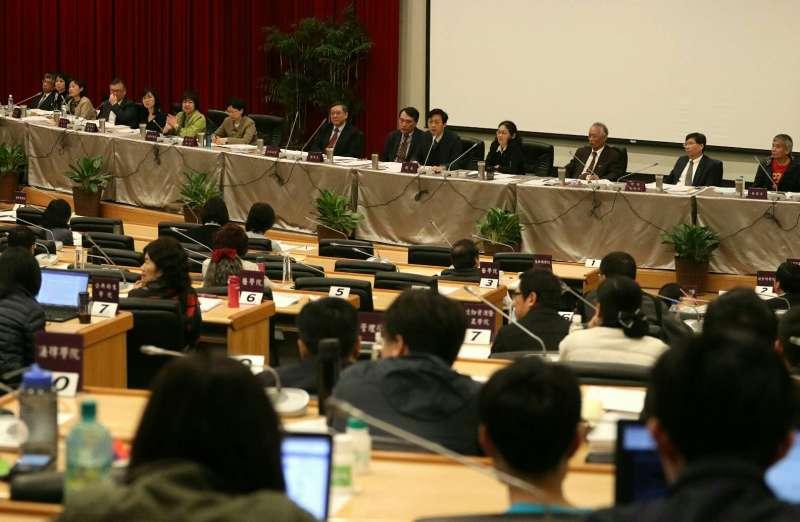 2018年3月24日,台大舉行臨時校務會議,討論校長當選人管中閔相關爭議(蘇仲泓攝)