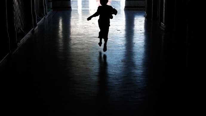 20180324-虐童、兒少、高風險家庭、風數據。(取自tribune.com.pk)