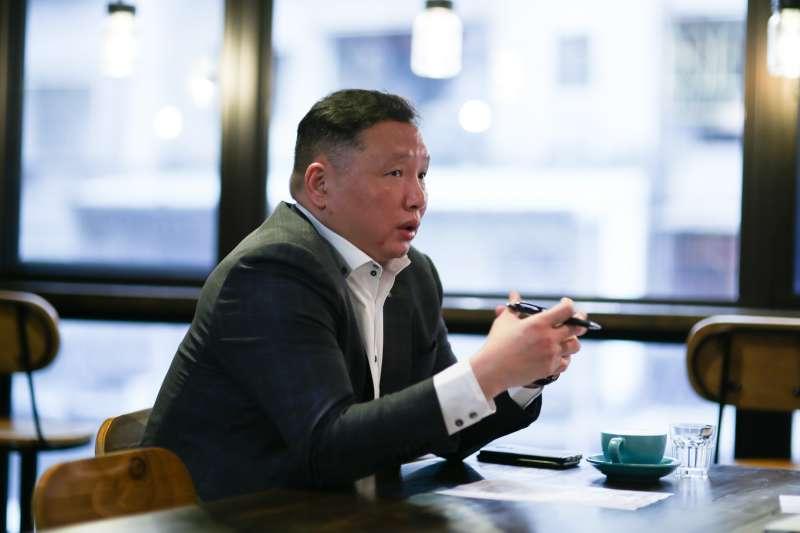 在建設公司上班的陳汪全其「職業病」讓他更加重視其服務地區的居住環境品質。(圖/風傳媒)