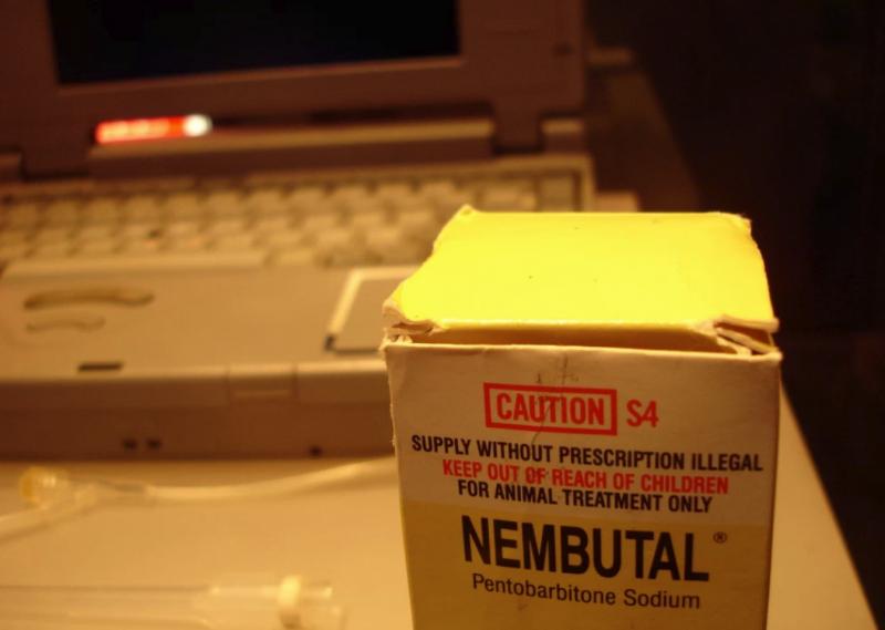 巴比妥類藥物被 Nitschke 稱作最值得信賴的安樂死手段。(圖/翻攝自 Motherboard,智慧機器人網提供)