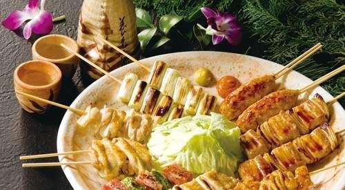 養老乃瀧除了有基本款的串燒之外,還有排餐、披薩、義大利麵、生魚片、炸物等豐富選擇。(圖/養老乃瀧官網)