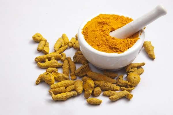 薑黃素不但能促進雄性動物臀部的血管擴張,還能增加血流量,讓陰莖勃起時充血量提升。(圖/ingimage)