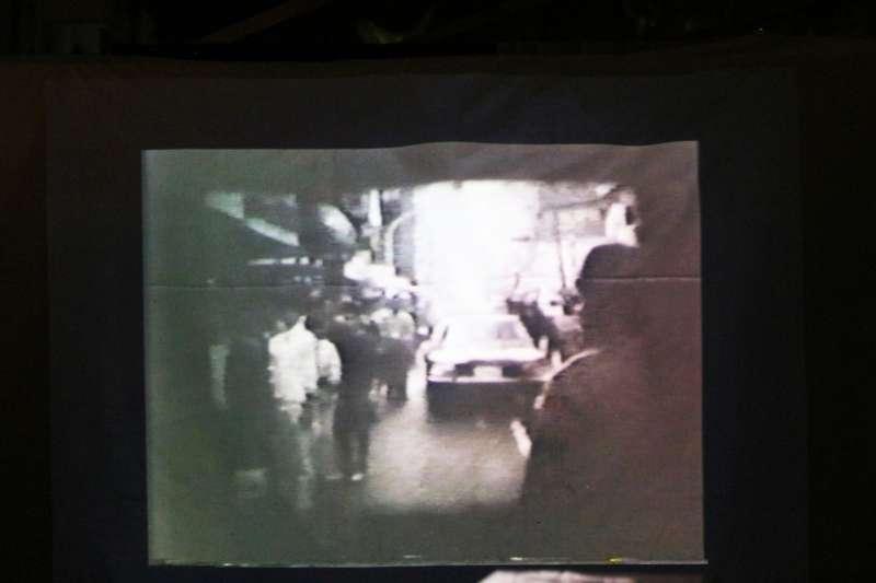 20180530-120草原自治區舉辦舊事重提講座,照片為紀錄片畫面。(陳韡誌攝)