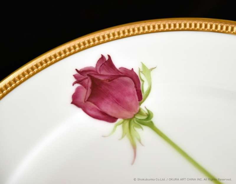 大倉陶園由百木春夫所設計的作品「一本的薔薇」。(圖/大倉陶園)