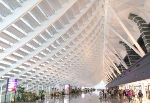桃園機場第一航廈改建案是「建築與時間共生」的理念實踐,因高挑壯觀設計與高難度施工環境,在2014台灣建築界奧斯卡獎榮獲唯一首獎。