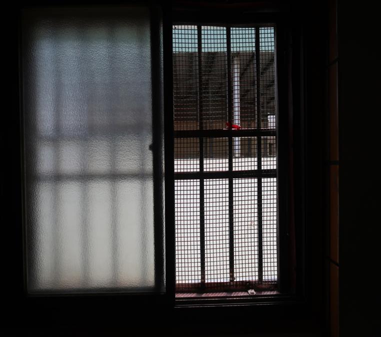 20180808-外籍漁工岸置所,尚禾外籍船員岸置所3樓窗戶。(取自監察院資料)