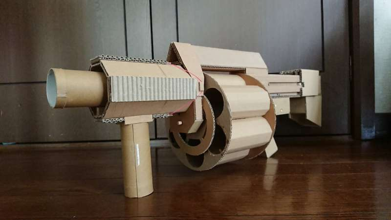 瓦楞紙輪轉式榴彈發射器在推特上引起轟動。(圖/翻攝自推特,智慧機器人網提供)