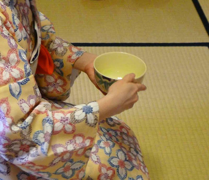 茶碗的拿法。