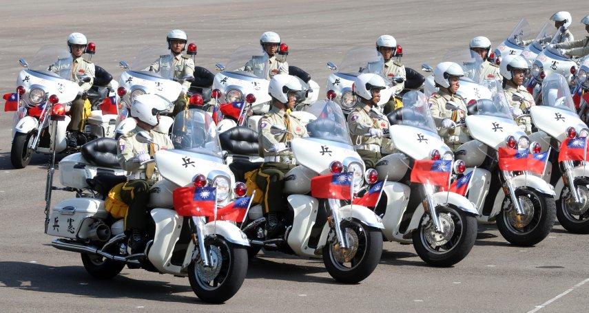憲兵「重機排」重返國慶前導行列 花式演出秀絕技