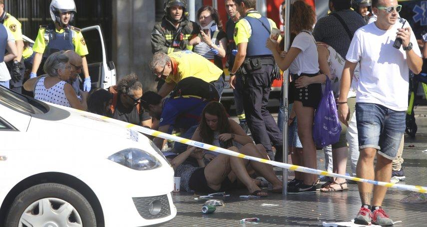 殺人廂型車再度上路!西班牙大城巴塞隆納爆發恐怖攻擊,至少13死、100傷