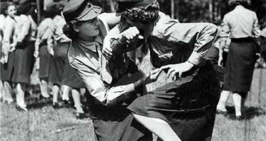 遭辣椒塞下體、割乳輪姦,「戰鬥民族」女兵穿裙子打二戰,被俘下場比戰死還痛苦