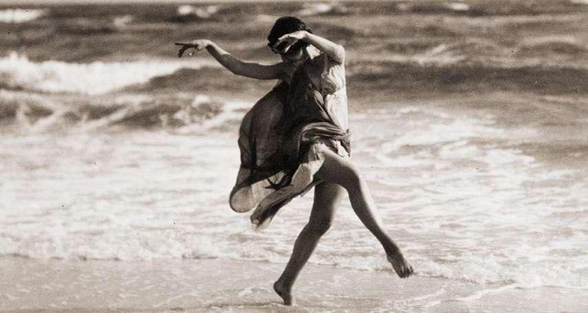 被罵暴露狂、高級妓女!她身穿半透明舞衣,赤腳起舞顛倒眾生,一代傳奇卻落得悲慘命運…