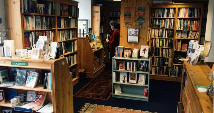 夢想開書店但沒勇氣?先上網租間過過癮吧!這小鎮的書店超創意,讓人輪流入住當店長!