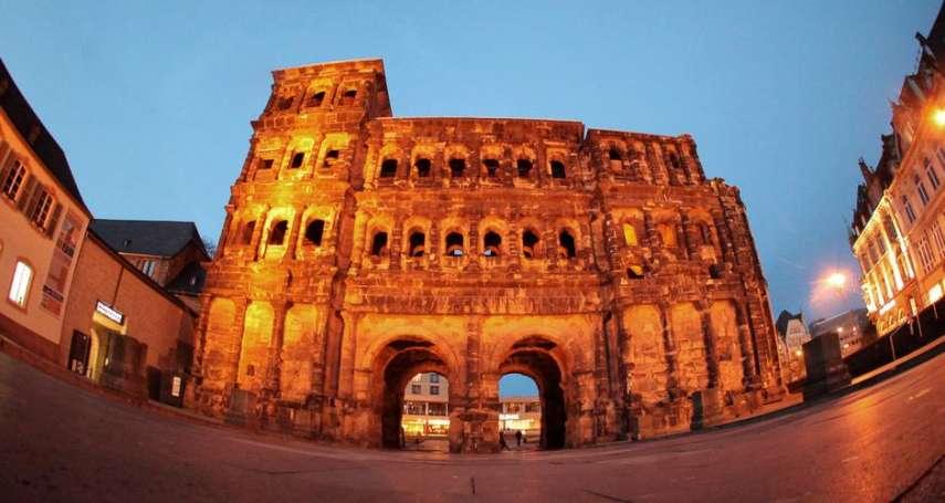 阿爾卑斯山以北最宏偉的古羅馬城門──德國「黑城門」到底有多老?專家算出來了