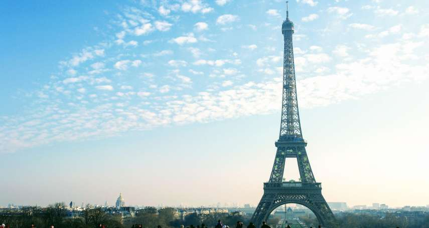 巴黎艾菲爾鐵塔首次「素顏」見世面!原來它130年來都會做這件事…