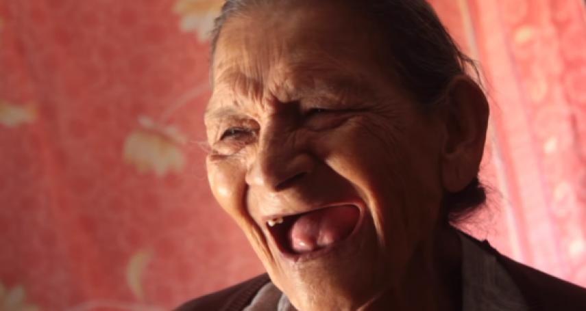 同學比她小了80歲》墨西哥好學老奶奶96歲上高中「歷史課教的我都經歷過」!