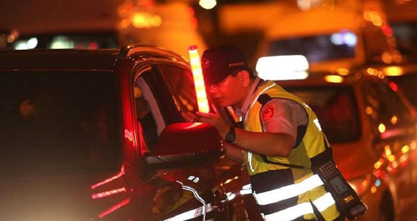 酒駕新增連坐罰,若駕駛人酒駕,同車年滿18歲以上乘客將一併受罰,罰金最高3000元。請問你支持酒駕連坐的新法規嗎?