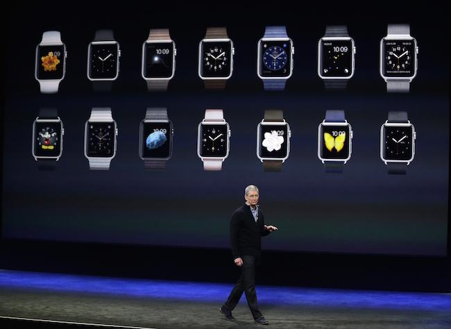 庫克親自介紹Apple Watch。(美聯社)