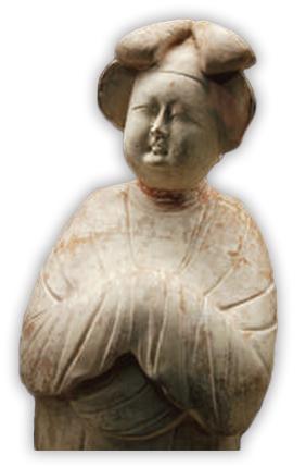 唐朝出土的仕女俑,脖根處有明顯的衣痕
