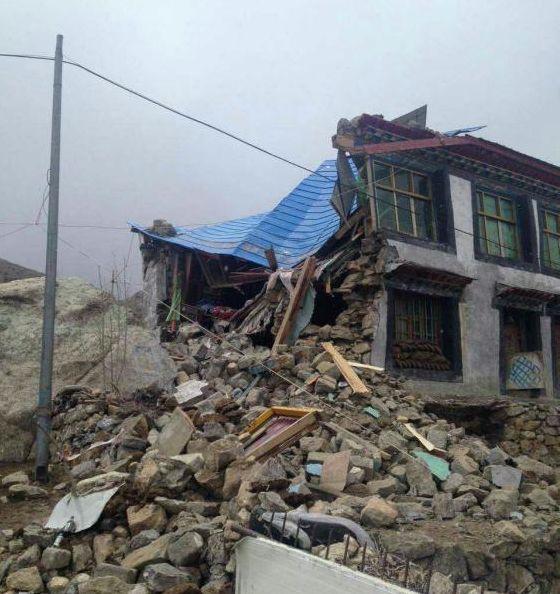 西藏日喀則市吉隆縣吉隆鎮房屋倒塌