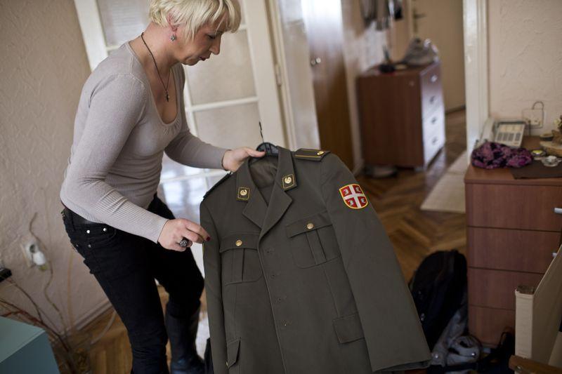 塞爾維亞跨性別軍官海蓮娜(Helena)
