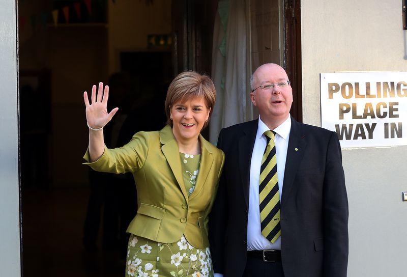 蘇格蘭民族黨(SNP)女黨魁史特金(Nicola Sturgeon)與先生穆瑞爾(Peter Murrell)