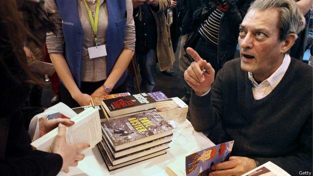 美國小說家保羅·奧斯特的著作中有小部分關於劉曉波的情節,但在簡體中文譯本時被刪去。(BBC中文網)