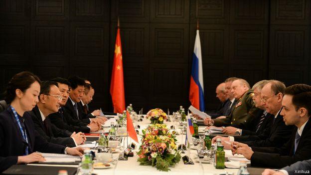 中俄兩國舉行第十一輪戰略安全磋商,兩國同意加強經濟、戰略、軍事、外交等各方面合作。(BBC中文網)