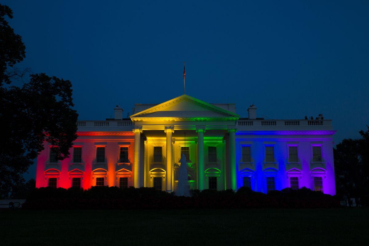 美國同性婚姻合法化,白宮彩虹光慶祝(美聯社)