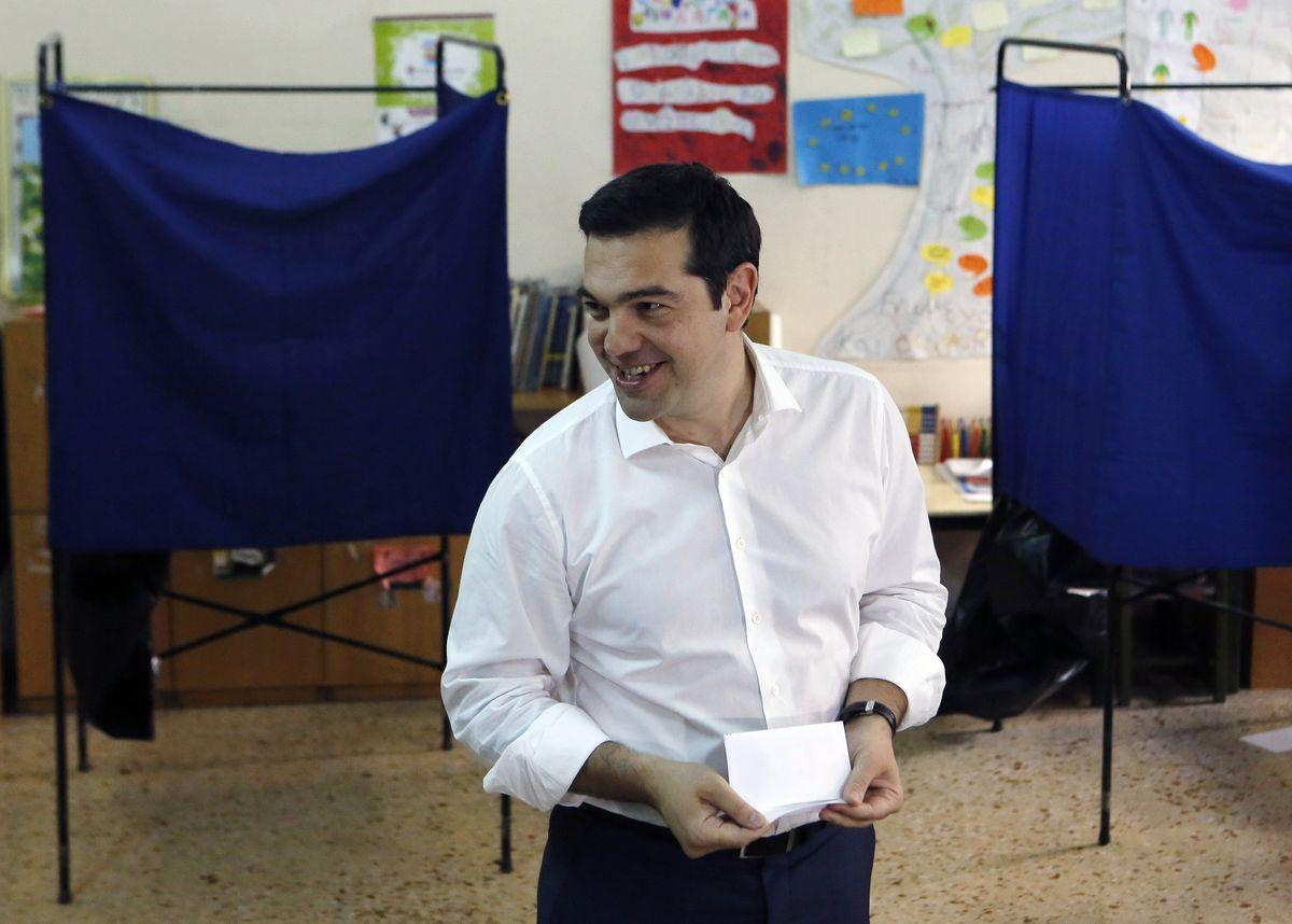 希臘公投,總理齊普拉斯投下自己的一票(美聯社)