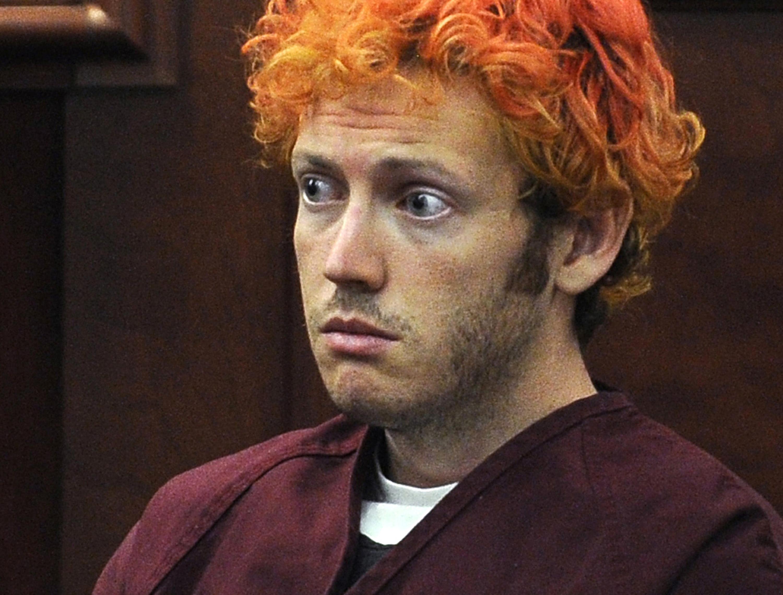 科羅拉多州槍擊案兇手霍姆斯,2012年初次出庭時仍是一頭紅髮(美聯社)