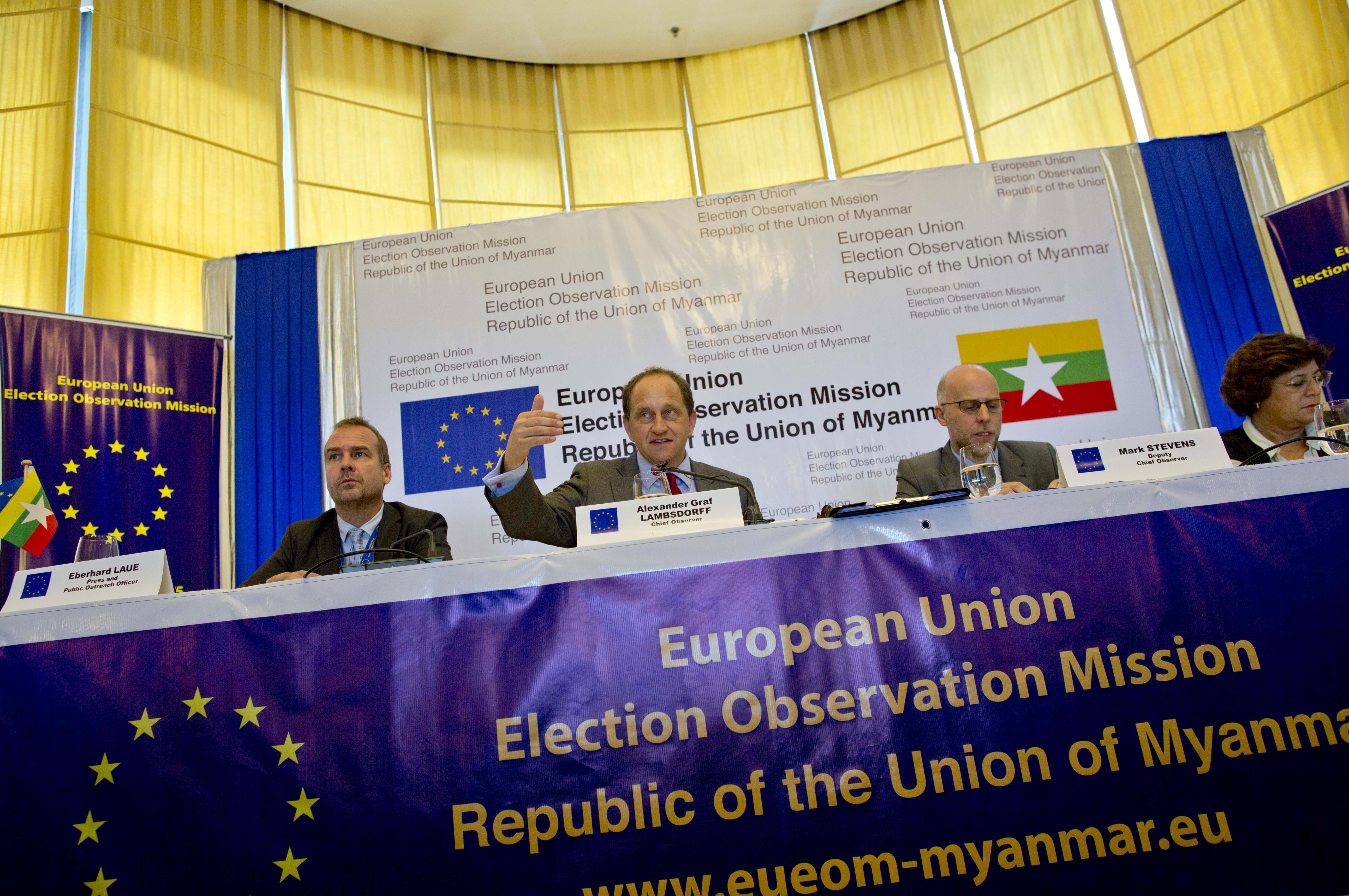 緬甸大選,歐盟觀察團稱緬甸要舉行一場公正的選舉仍有待努力,其中《緬甸憲法》對於軍方享有國會保障名額的規定也遭到批評。(美聯社)