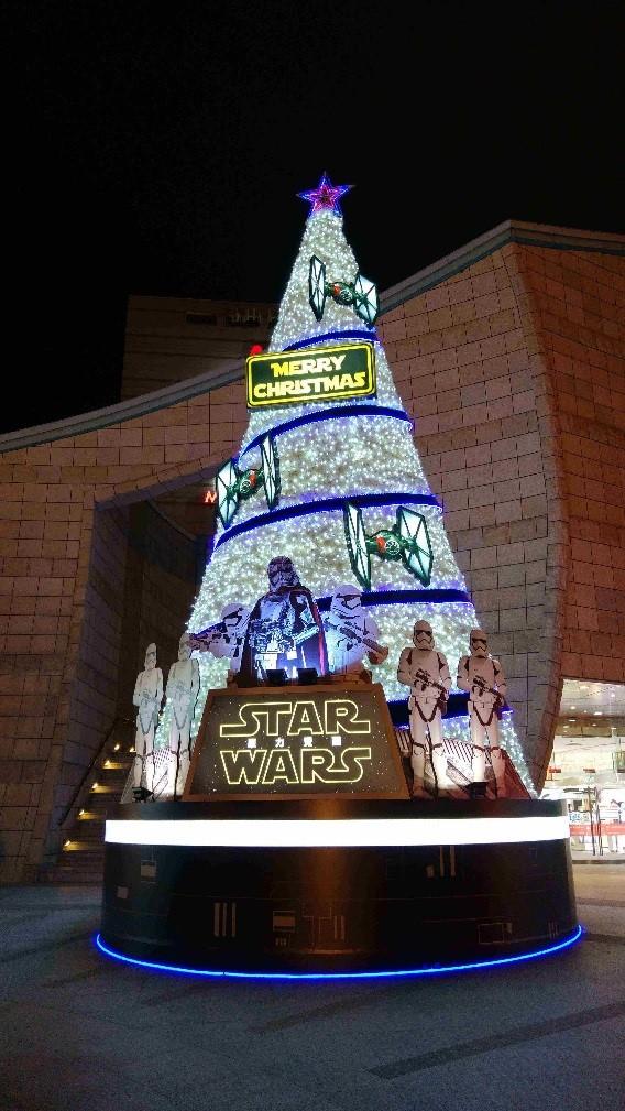 美麗華百樂園今年的主題是熱門電影星際大戰。(Riona攝)