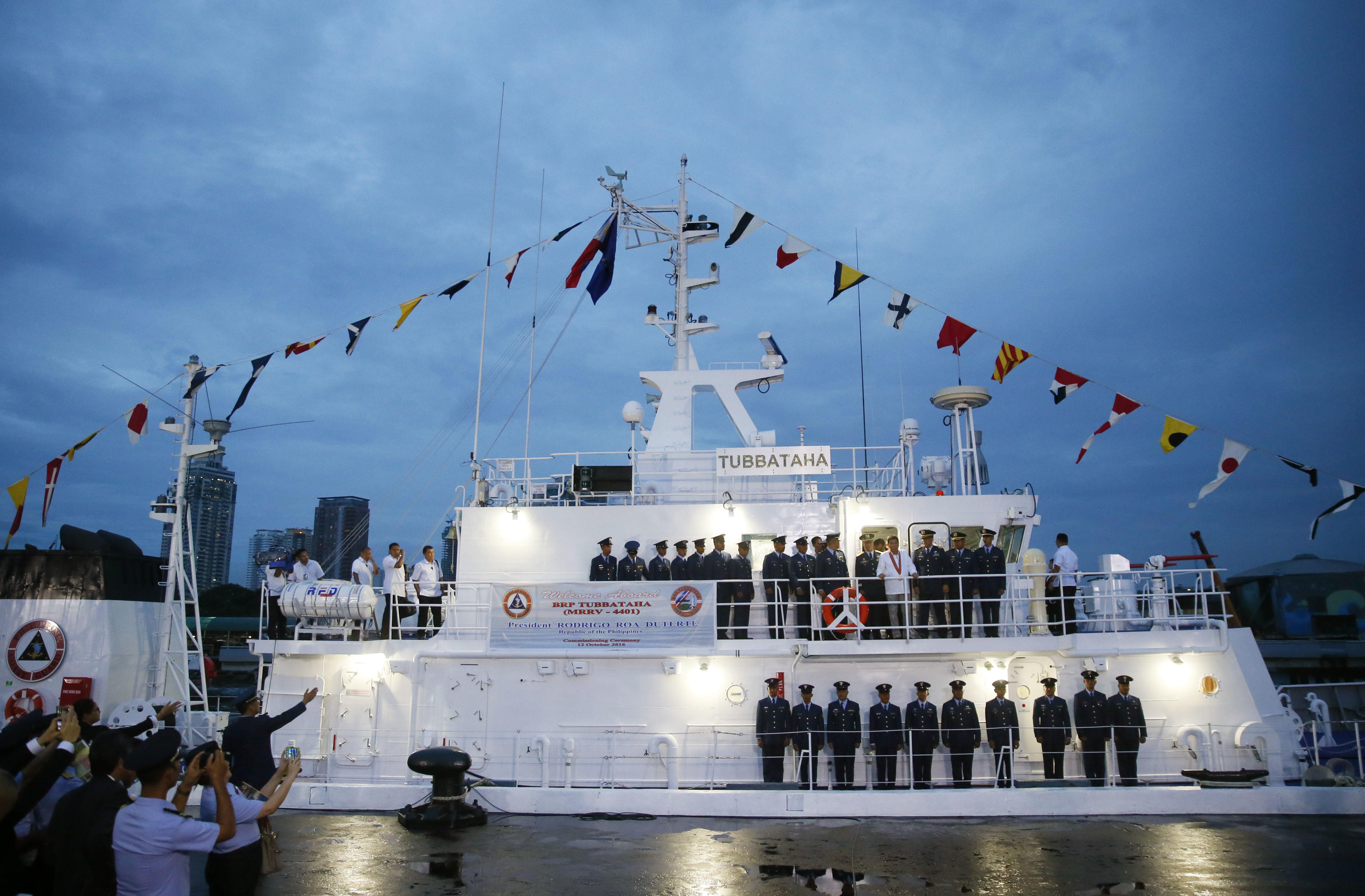 菲海岸警衛隊成立115週年,菲律賓總統杜特蒂在慶祝活動上宣布不再與美國舉行聯合軍演。(美聯社)