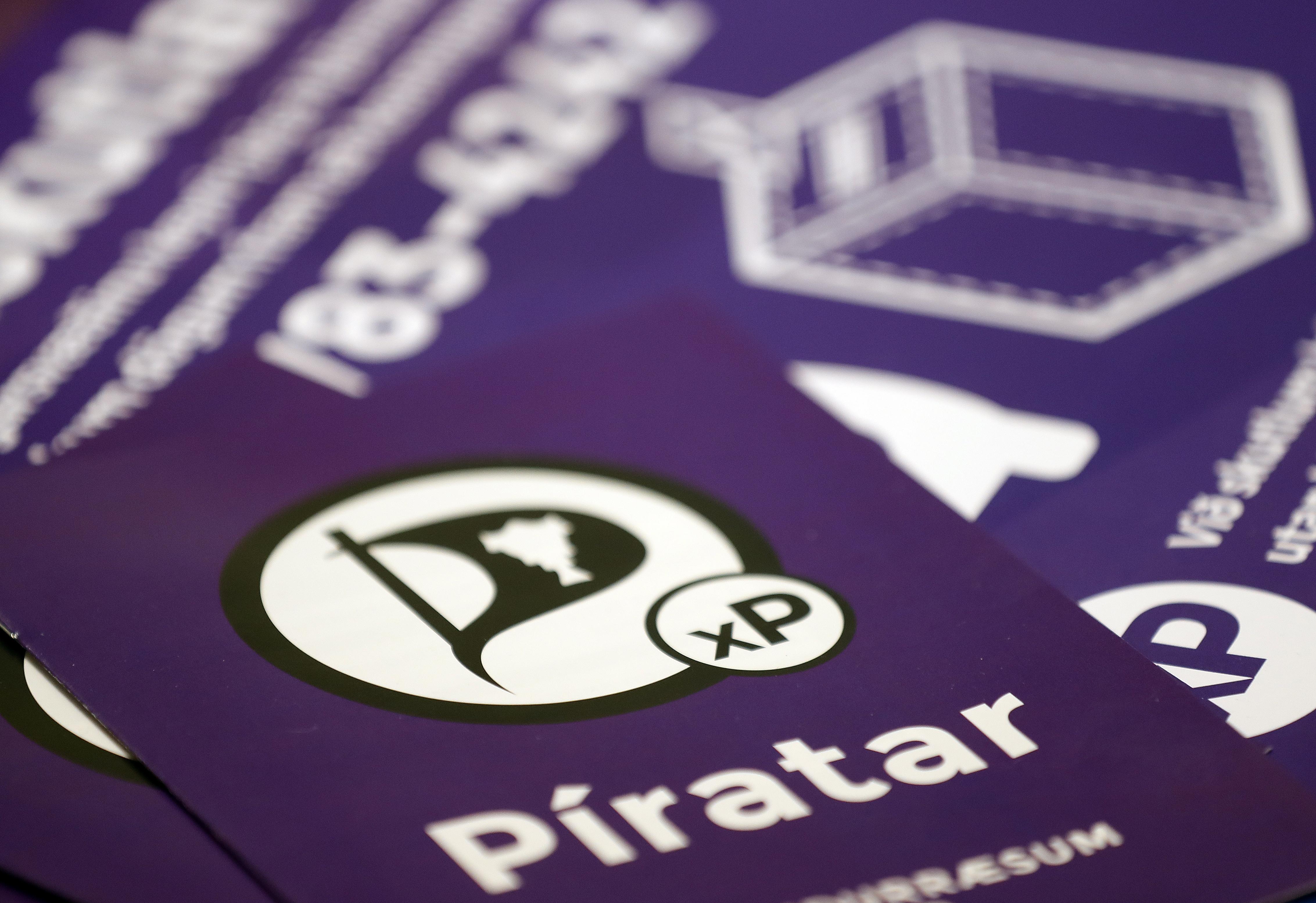 冰島海盜黨的競選文宣。(美聯社)