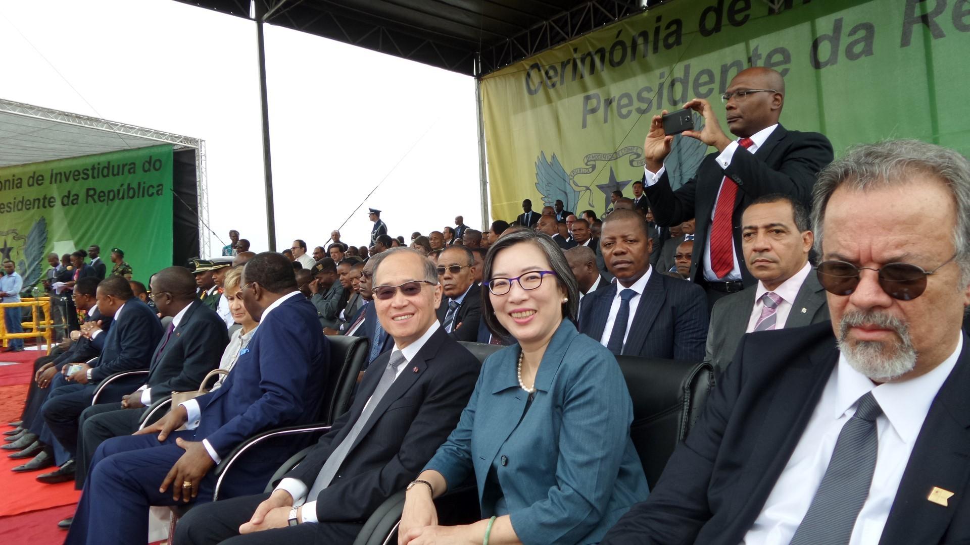 外交部李部長大維2016年9月3日以蔡英文總統特使身分出訪聖多美普林西比,參加該國新總統卡瓦留(Evaristo Carvalho)就職典禮(外交部)