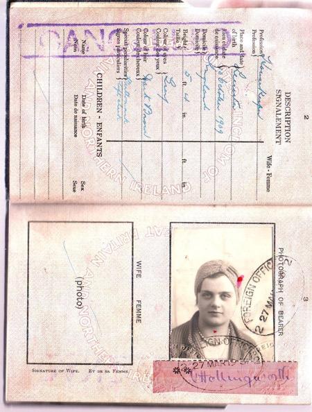 霍林沃斯(Clare Hollingworth)的護照,她當時在波蘭卡托維治(Katowice),德國邊境。(Facebook:Celebrate Clare Hollingworth)