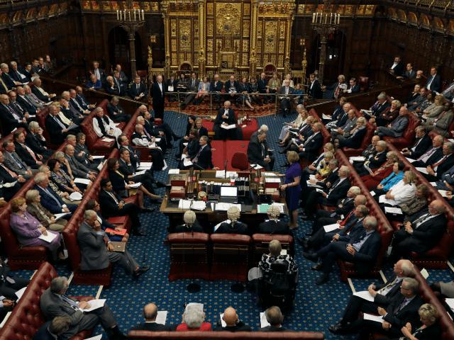 英國上議院3月7日通過脫歐修正案,賦予英國國會對脫歐最終談判結果擁有否決權(美聯社)