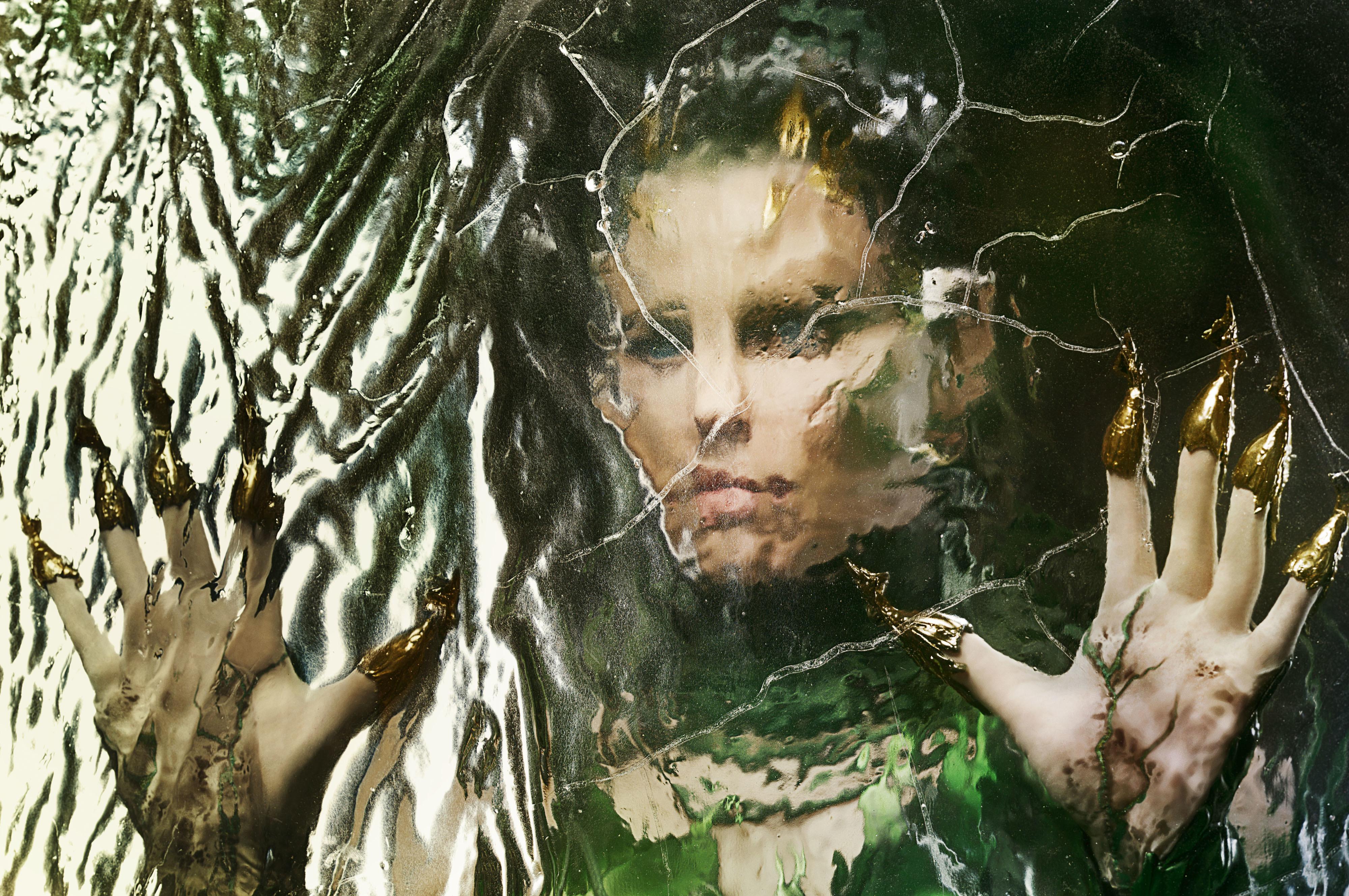 在《金剛戰士》中飾演幽冥女王的伊麗莎白班克斯。(美聯社)