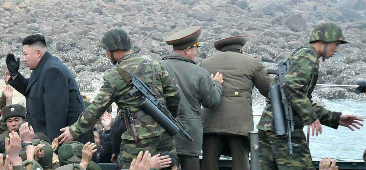 98式步槍也是金正恩貼身警衛員的配槍。
