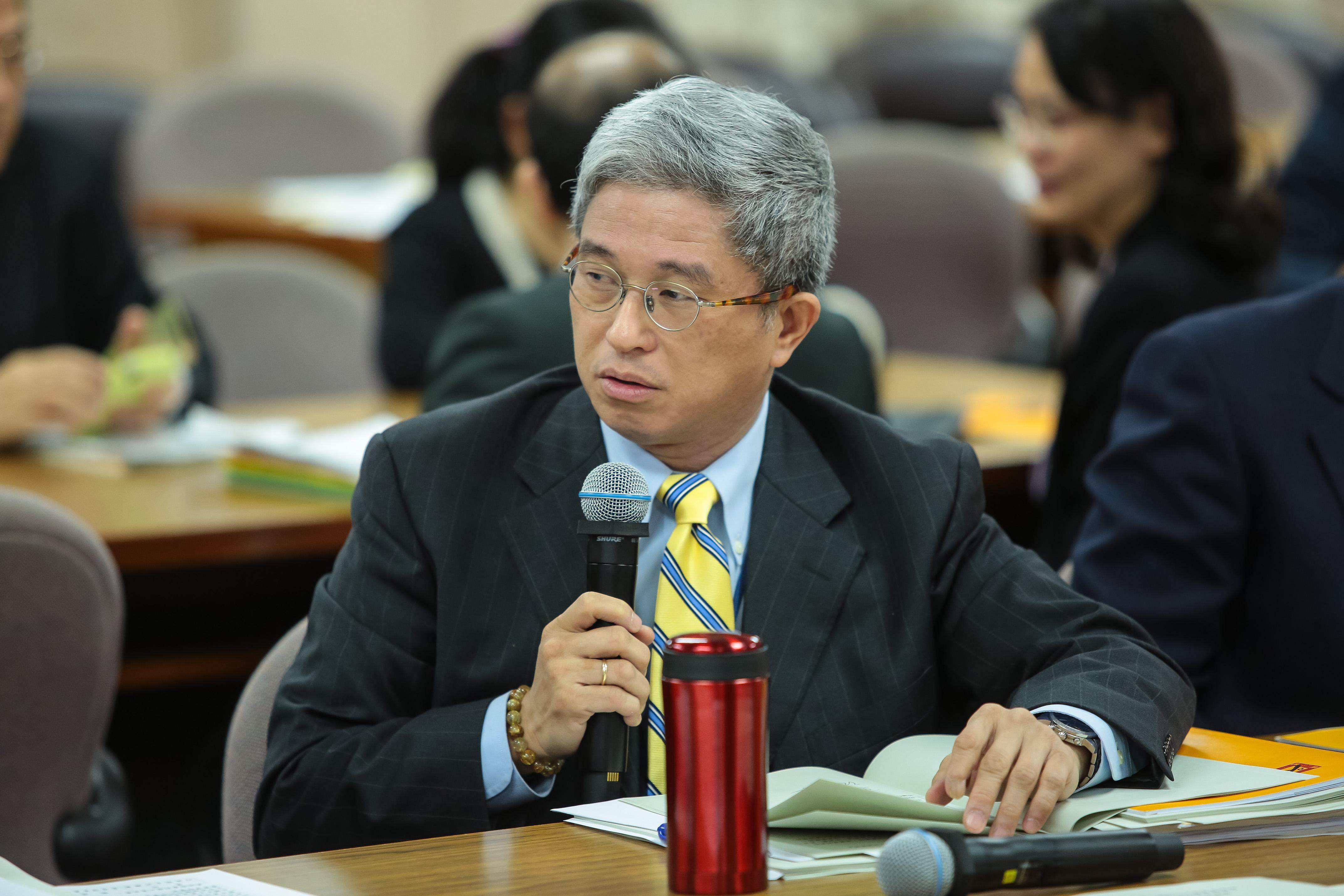20171214-台灣民主基金會執行長徐斯儉14日出席外交國防委員會審查預算。(顏麟宇攝)