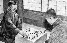 本因坊秀哉(左)與吳清源(右)的世紀棋局。(Wikipedia / Public Domain)