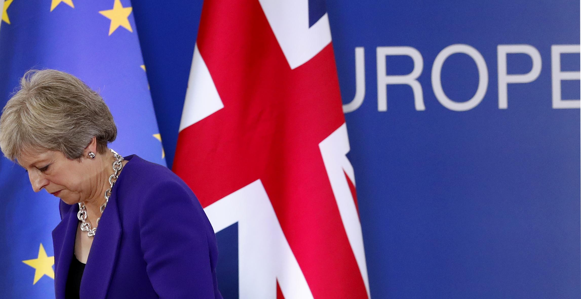 70萬英國民眾走上街頭反脫歐,英國首相梅伊仍未與歐盟達成協議(AP)